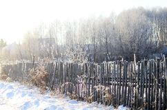 Uma cerca feita dos galhos de madeira fotos de stock royalty free