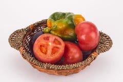 Uma cesta de legumes frescos Foto de Stock Royalty Free