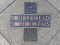 Uma chapa memorável do mapa aos navios enterrados Fotos de Stock