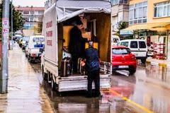 Uma cidade do verão em um dia chuvoso Fotografia de Stock Royalty Free