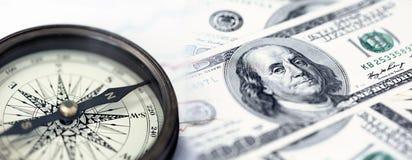 Uma colagem com compasso e notas de dólar dos E.U. Imagem de Stock Royalty Free
