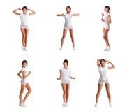 Uma colagem das jovens mulheres que fazem o exercício com pesos imagem de stock