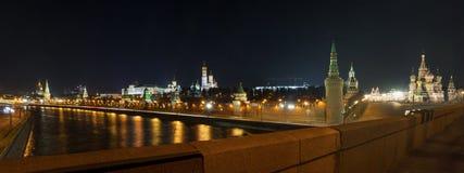 Uma colagem do céu estrelado sobre o Kremlin Imagens de Stock Royalty Free
