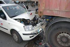 Uma colisão rear-end imagens de stock