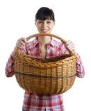 Mulher bonita e cesta de vime imagens de stock royalty free