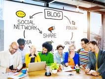 Uma comunicação Blogging do blogue conecta o conceito do Social dos dados foto de stock royalty free