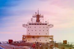 Uma comunicação do navio de carga fotografia de stock