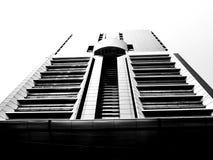 Uma construção alta em bangladesh imagem de stock royalty free