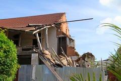 Uma construção danificou pelo terremoto 2009 em Padang, Sumatra ocidental Fotos de Stock