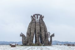 Uma construção de madeira na neve Imagens de Stock