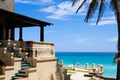 Uma construção velha em Cuba diretamente no mar em havana 2 Imagem de Stock