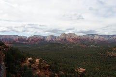 Uma cordilheira em Sedona, o Arizona imagens de stock royalty free