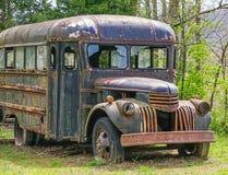 Uma corrida abandonada velha transporta para baixo Fotos de Stock Royalty Free
