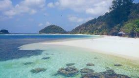Uma costa antes de Wayag, Raja Ampat Fotografia de Stock Royalty Free