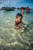 Uma criança aciganada do mar local Imagem de Stock Royalty Free