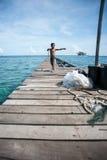 Uma criança aciganada do mar local Imagens de Stock Royalty Free