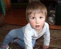 Uma criança pequena fotografia de stock royalty free