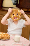 Uma criança perniciosa pequena Imagens de Stock