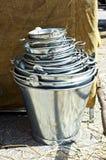 Uma cubeta completamente das cubetas, em Feira Franca em Pontevedra fotografia de stock royalty free