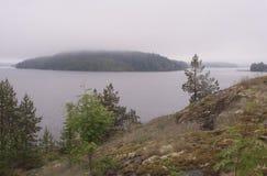 Uma das baías do Lago Ladoga, paisagem Carélia fotos de stock royalty free