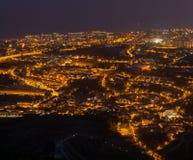 Uma das imagens as mais bonitas é ver uma cidade na noite fotografia de stock royalty free