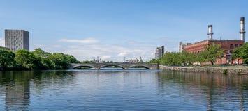 Uma das pontes em Charles River, Boston Fotos de Stock Royalty Free