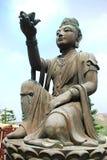 Uma de seis estátuas Puja Bodhisattva na Buda gigante Po Lin Monastery Fotos de Stock Royalty Free