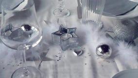 Uma decoração de prata do restaurante video estoque