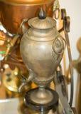 Uma embarcação de cobre antiga para fazer o chá Foto de Stock Royalty Free