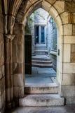 Uma entrada gótico do estilo em um dormitório de Yale University foto de stock royalty free