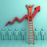 Uma escada de escalada do homem a estar sobre o gráfico do crescimento do negócio Fotografia de Stock