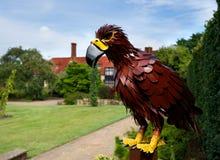 Uma escultura de uma águia em Wisley, Surrey Imagens de Stock Royalty Free