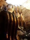 Uma estátua de assento enorme da Buda Imagem de Stock