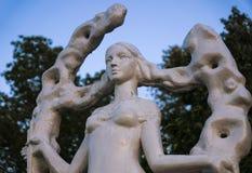 Uma estátua de uma menina Fotografia de Stock Royalty Free