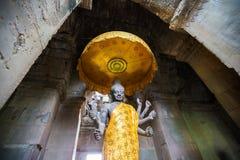 Uma estátua do atAngkor hindu Wat de Vishnu do deus, Camboja Imagens de Stock Royalty Free
