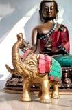 Uma estátua do ferro do elefante fotografia de stock royalty free