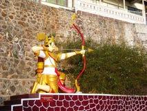 Uma estátua em um templo em Burma Foto de Stock