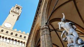 Uma estátua no dei Lanzi da loggia em Florença, Itália fotos de stock
