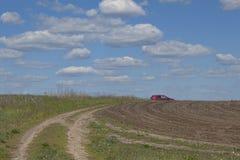 Uma estrada de terra que vai acima Fotos de Stock