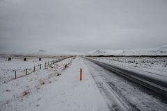 Uma estrada em Islândia Foto de Stock