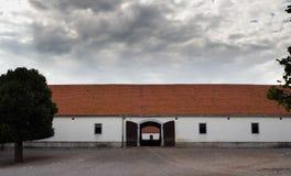 Uma exploração agrícola de parafuso prisioneiro em Lipica, Eslovênia Imagens de Stock