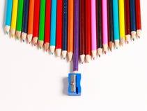 Uma exposição de lápis coloridos Fotos de Stock Royalty Free