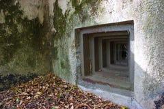 Uma fenda do depósito militar velho 3 Fotos de Stock Royalty Free