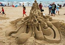 Uma festa no dia do castelo da areia Fotos de Stock