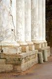 Uma fileira das colunas Fotografia de Stock Royalty Free