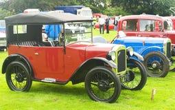 Uma fileira de carros de Austin do vintage. Foto de Stock