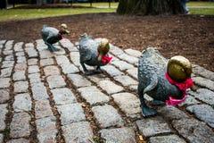 Uma fileira de patos da estátua em Boston Imagens de Stock
