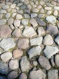 Uma fuga da pedra áspera multi-colorida foto de stock royalty free