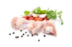 Uma galinha inteira e vegetais da sopa para um estoque de galinha Fotos de Stock Royalty Free