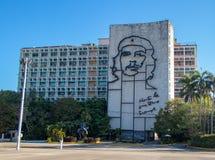 Uma grande gravura de Che Guevara em Havana, Cuba fotos de stock